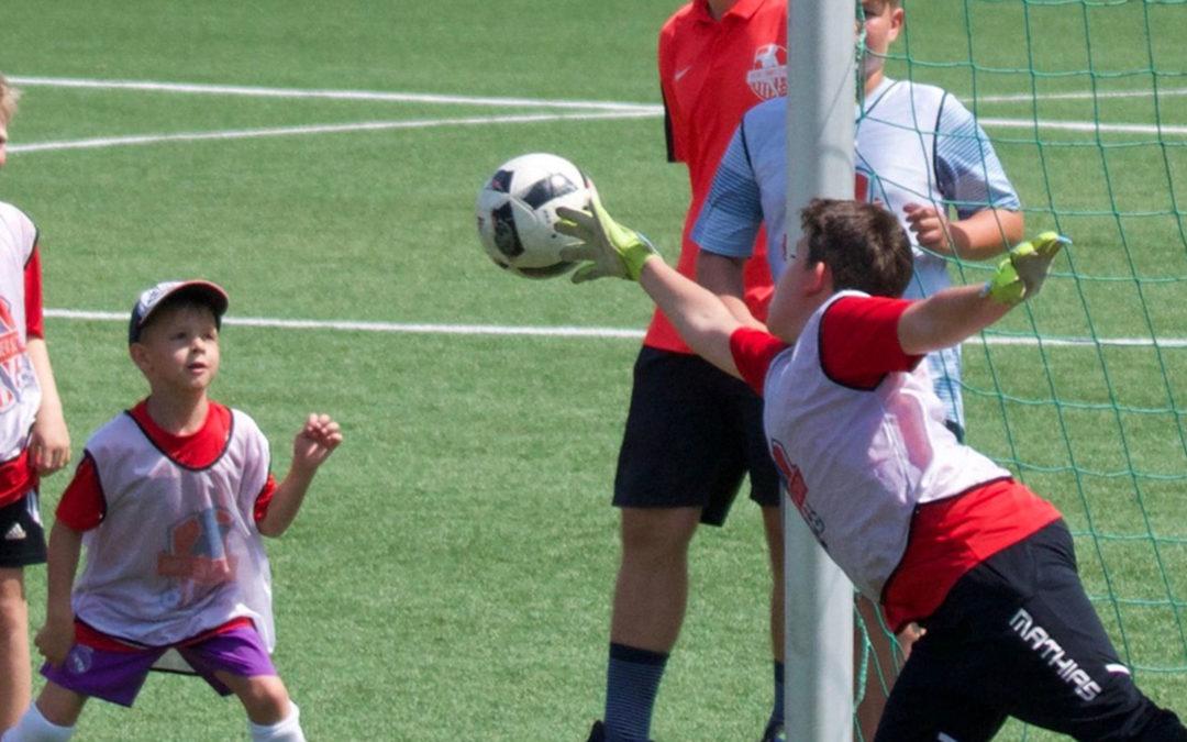 Die Footballschool bietet nun auch Torwartcamps an