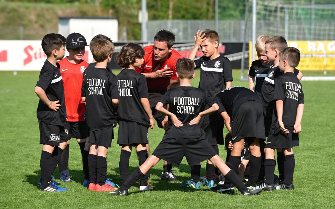 Erfolgreiche Turnierteilnahme der Football School in Grünau
