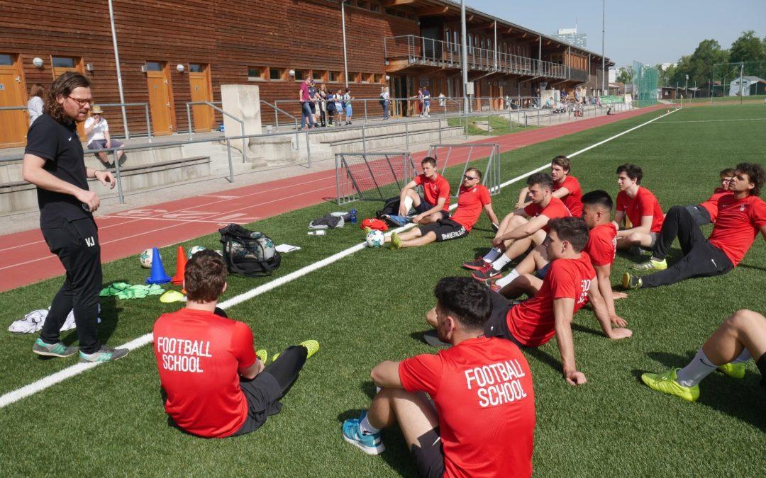 Trainerfortbildung bei der Football School