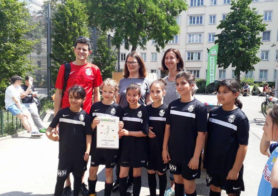 Die Football School beim Goodball Girls Cup