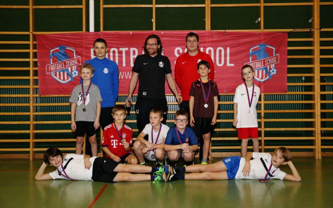 Platz sichern für die beliebten Fußballcamps der Football School